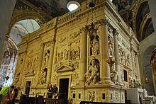 Saint du jour - Page 23 220px-Santuario_della_Santa_Casa_in_Loreto_-_Casa_Santa